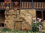 Jakobsweg (Camino Francés): Albergue las águedas - Innenhof - Murias de Rechivaldo