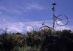 Jakobsweg (Camino Francés): Fahrrad - Denkmal - El Acebo