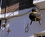 Jakobsweg (Camino Francés): Hausverzierung - Fuentes Nuevas
