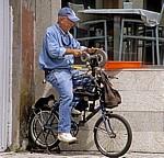 Fahrradbetriebene Werkstatt eines Messerschleifers - Finisterre