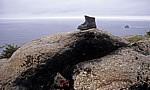 Jakobsweg (Camino a Fisterra): Bronzeskulptur eines Wanderschuhs - Kap Finisterre