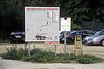 "Jakobsweg (Camino a Fisterra): Verkehrsschild ""Información ao Peregrino"" (Informationstafel für Pilger - Negreira"