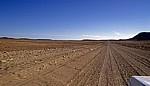 Auf dem Weg zum Skeleton Coast National Park: Wüstenpiste - Erongo