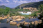 Blick von The Palace of the Lost City auf das Sun City Entertainment Centre - Sun City