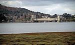 Conwy Castle mit der Conwy Railway Bridge (Tunnelbrücke) - Conwy
