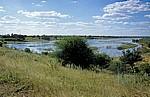 Okavango als Grenzfluß zwischen Nambia und Angola - Rundu