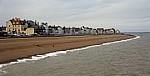 Blick vom Pier auf die Uferpromenade - Deal