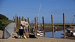 The Quay: Maler hinter Staffelei - Blakeney