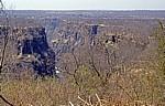 Blick vom Victoria Falls Hotel auf eine der Victoria Falls Gorges (Schlucht) - Victoria Falls
