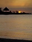 Blick über die Bucht: Sonnenuntergang - Pereybere