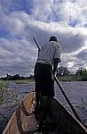 Mekolo (Einbaum)-Fahrer auf dem Zambezi - Southern Province