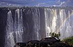 Eastern Cataract mit Regenbogen (rechts) - Victoriafälle (Zambia)