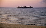 Malawisee: Kande Island (Insel) im Morgenlicht - Kande Beach