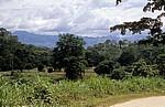 Blick auf die Uluguru Mountains (Gebirgskette). - Selous Kisaki Road