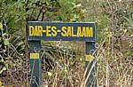 Verkehrsschild (Hinweisschild) Dar-es-Salaam - Pwani Region