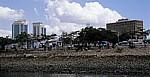 Fähre Kigamboni - Kivukoni: Uferbereich von Kivukoni - Daressalam