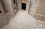 Stari Grad (Altstadt): Blick v. d. Stadtmauer - Dominikanski samostan i crkva u Dubrovniku (Dominikanerkloster): Treppe - Dubrovnik