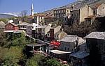 Stari Grad (Altstadt): Blick von der Stari most (Alte Brücke) - Kujundziluk (Alter Basar) - Mostar
