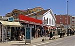 Hauptstraße: Souvenirgeschäfte - Medjugorje