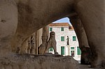 Stari Grad (Altstadt): Blick durch die Löwen (Nordportal) der Katedrala svetog Jakova (Kathedrale des Heiligen Jakob)  - Sibenik