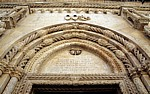 Stari Grad (Altstadt): Katedrala svetog Jakova (Kathedrale des Heiligen Jakob) - Löwenportal: Inschrift - Sibenik