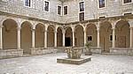 Stari Grad (Altstadt): Samostan Sveti Franje Asiskog u Zadru (Hl. Franziskus Kloster) - Renaissance-Kreuzgang - Zadar